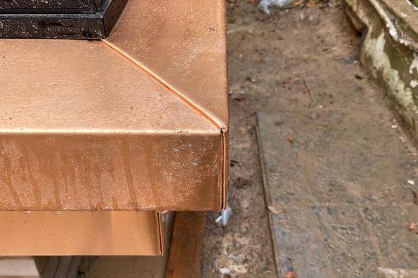 Bronze-corner-cill-detail--welted