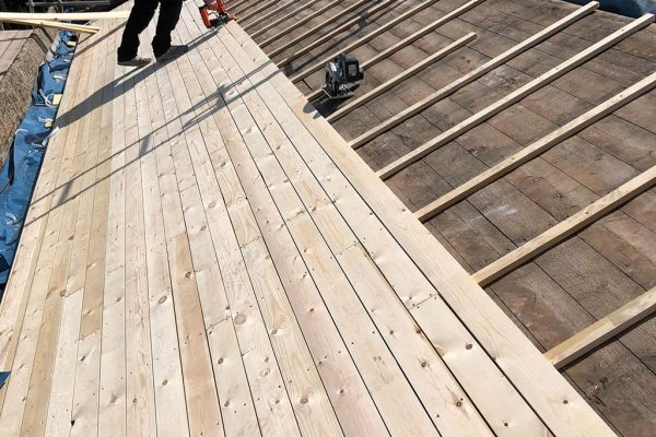 Contruction-of-a-ventilated-roof-deck